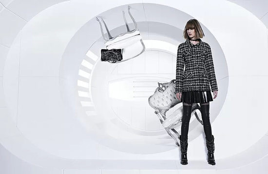 0b4c78a5f5835eea_800x521xchanel-fall-2013-campaign-10-800x521.jpg.pagespeed.ic.Lfjr3rcYQ9.preview