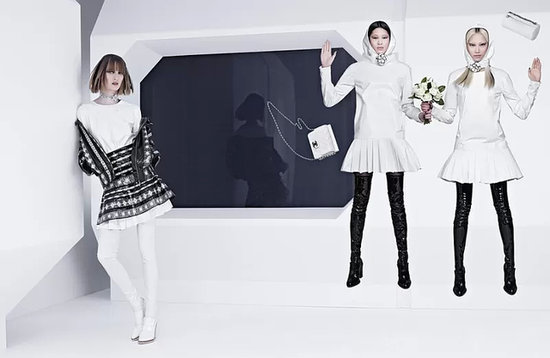 88395c542e55a4fa_800x521xchanel-fall-2013-campaign-2-800x521.jpg.pagespeed.ic._UFYVigLh7.preview