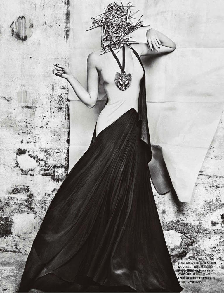Toni Garrn by Txema Yeste for Numero China November 2013-010