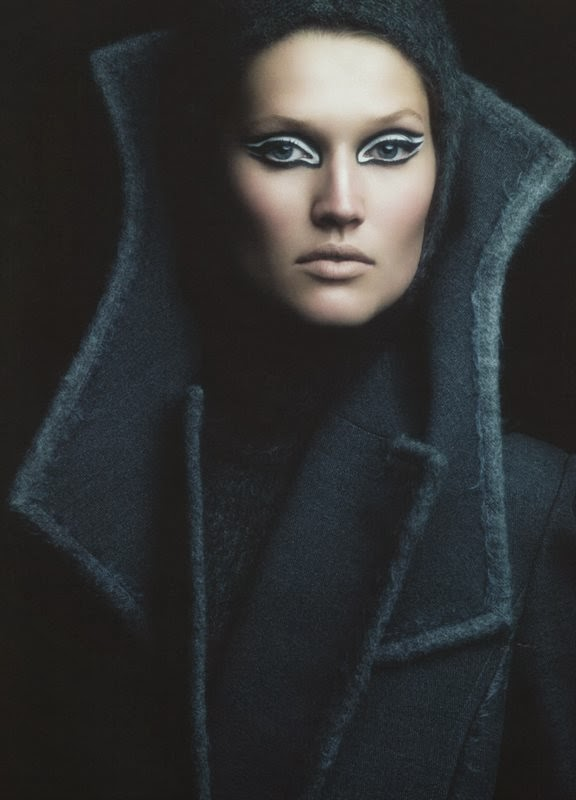 Toni Garrn by Victor Demarchelier for Antidote Magazine Fall 2013-003