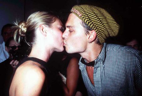 johnny-depp-and-kate-moss-photo-gallery-c10357028