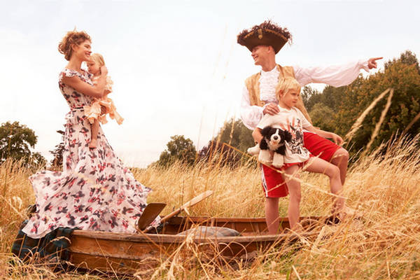 98144,xcitefun-fairytale-family-8