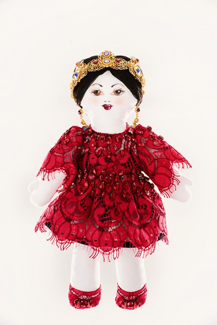 Dolce-and-Gabbana-unicef-designer-doll-vogue-26nov13-pr_426x639