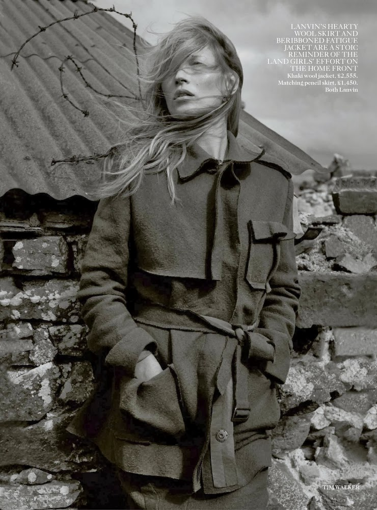 Kate Moss by Tim Walker for Vogue UK December 2013-005 (1)