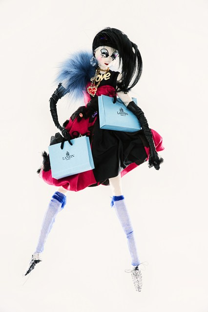 Lanvin-by-Alber-Elbaz-unicef-designer-doll-vogue-26nov13-pr_426x639