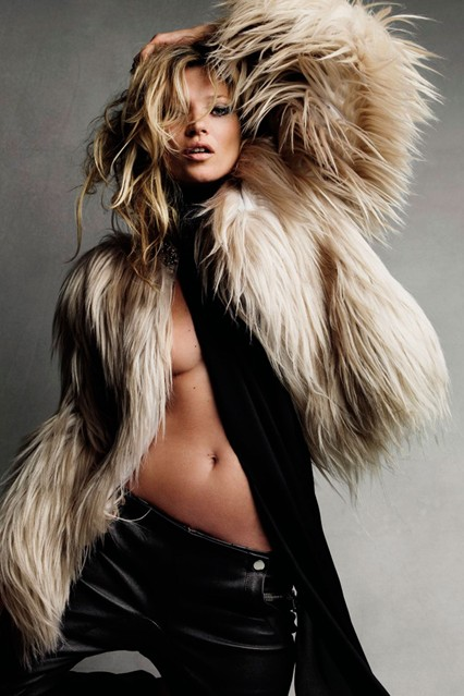 KMoss2_V_29jun11_Patrick-Demarchelier_b_426x639