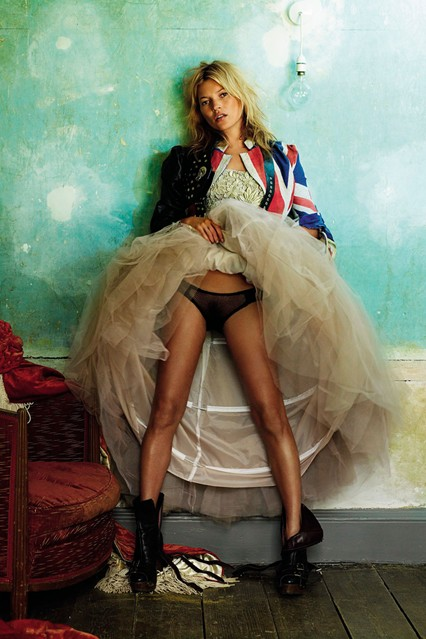 KMoss_V_29jun11_MarioTestino_b_426x639