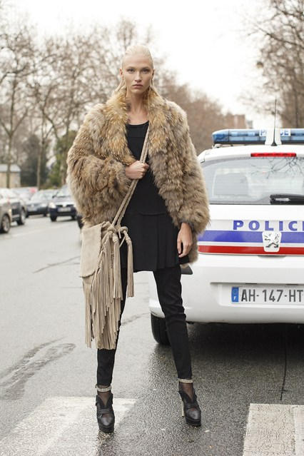 Yulia Lobobva-vogue-21jan14-dvora_b_426x639
