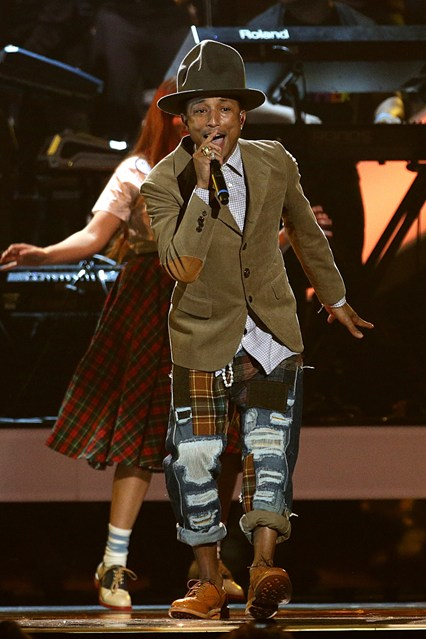 Pharrell-Williams-Vogue-20Feb14-PA_b_426x639