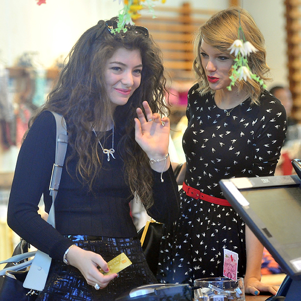 Taylor-Swift-and-Lorde-go-shopping-hit-the-beach-in-Los-Angeles