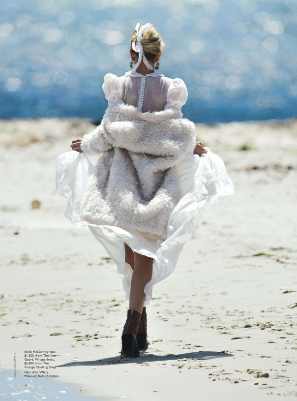 abbey-lee-kershaw-by-gilles-bensimon-for-vogue-australia-april-2014-11