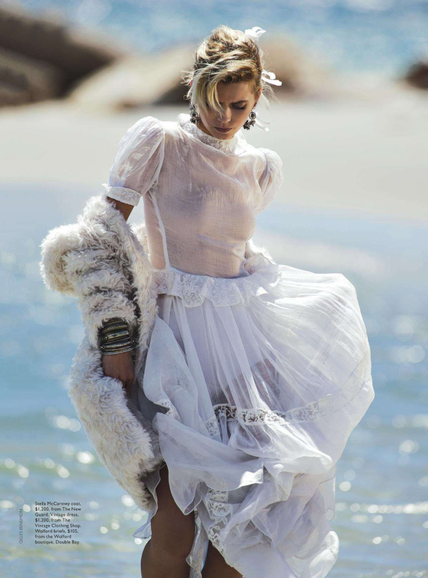 abbey-lee-kershaw-by-gilles-bensimon-for-vogue-australia-april-2014-2