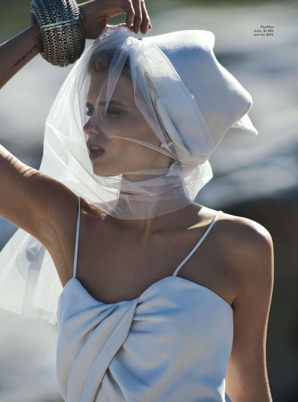 abbey-lee-kershaw-by-gilles-bensimon-for-vogue-australia-april-2014-5