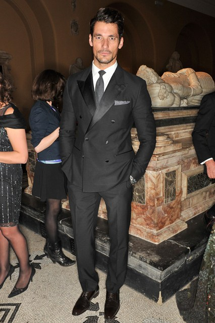 david-gandy-vogue-2apr14-nick-harvey_b_426x639