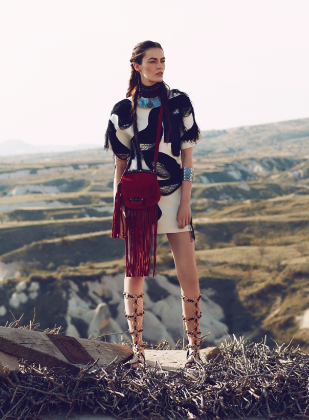 patrycja-gardygajlo-by-emre-guven-for-vogue-turkey-may-2014-4