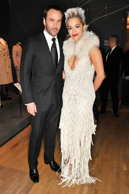 tom-ford-rita-ora-vogue-2apr14-nick-harvey_b_426x639
