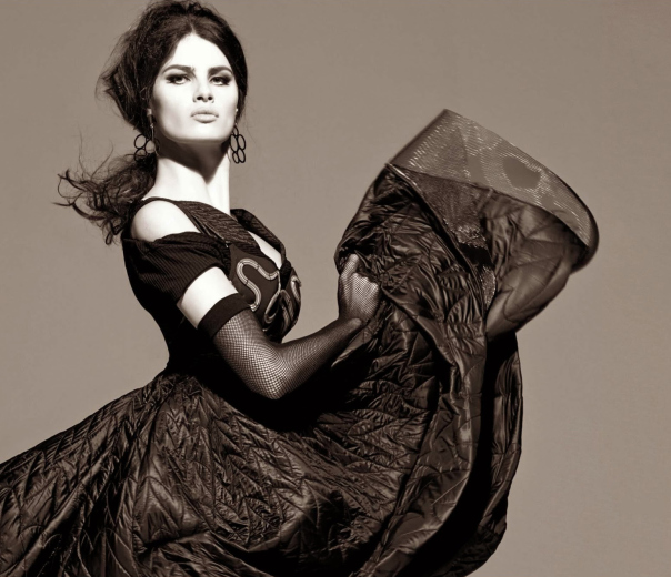 isabeli-fontana-timo-nuc3b1ez-by-steven-meisel-for-vogue-italia-august-2014-5