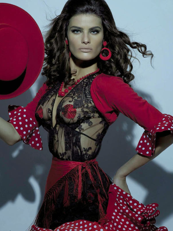 isabeli-fontana-timo-nuc3b1ez-by-steven-meisel-for-vogue-italia-august-2014-8