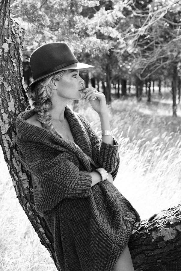 carolyn-murphy-by-yelena-yemchuk-for-the-edit-september-2014-7