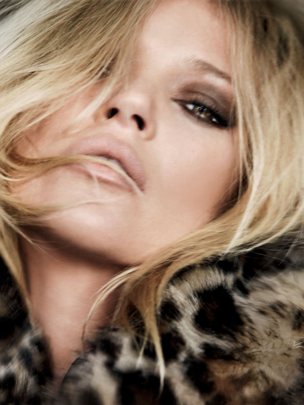 kate-moss-by-mario-testino-for-vogue-uk-december-2014-10