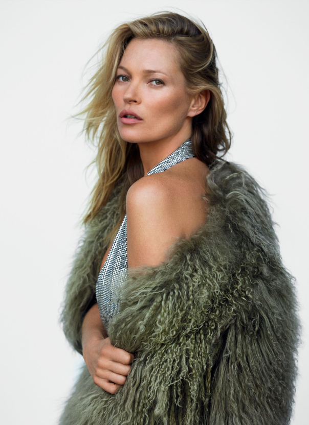 kate-moss-by-mario-testino-for-vogue-uk-december-20141