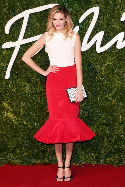 13-tamsin-egerton-british-fashion-awards-vogue-1dec14-rex_b_426x639