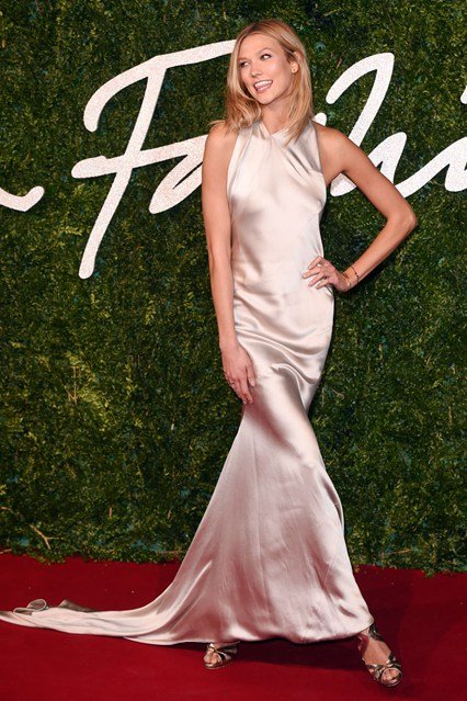 44-karlie-kloss-british-fashion-awards-vogue-1dec14-rex_b_426x639