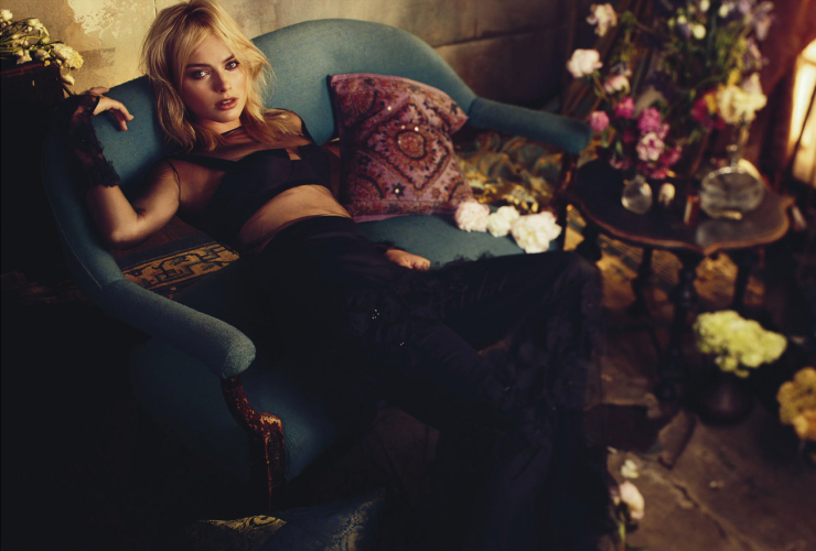 margot-robbie-by-alexi-lubomirski-for-vogue-australia-march-2015-9