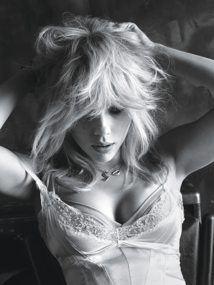 scarlett-johansson-by-mert-alas-marcus-piggott-for-w-magazine-march-2015-3