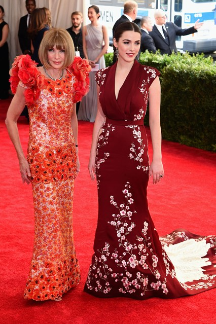 Anna-Wintour-Bee-Shaffer-Vogue-5May15-Getty_b_426x639