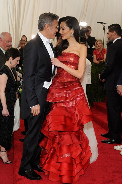 George-Clooney-and-Amal-Alamuddin-Vogue-5May15-Getty__426x639