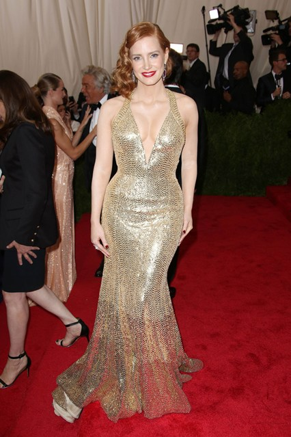 Jessica-Chastain-Vogue-5May15-Rex_b_426x639