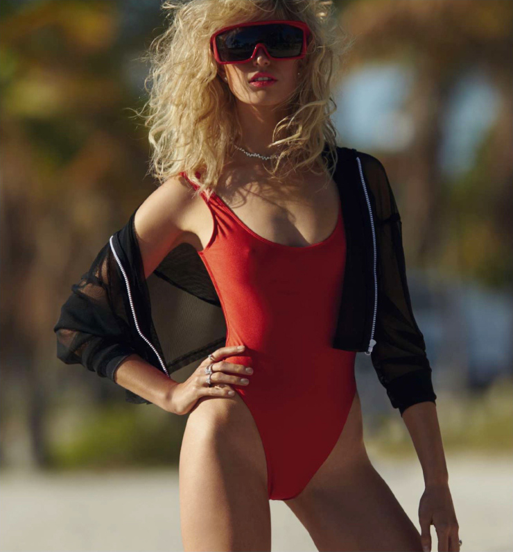 karolina-kurkova-by-hans-feurer-for-harper_s-bazaar-spain-june-2015-6