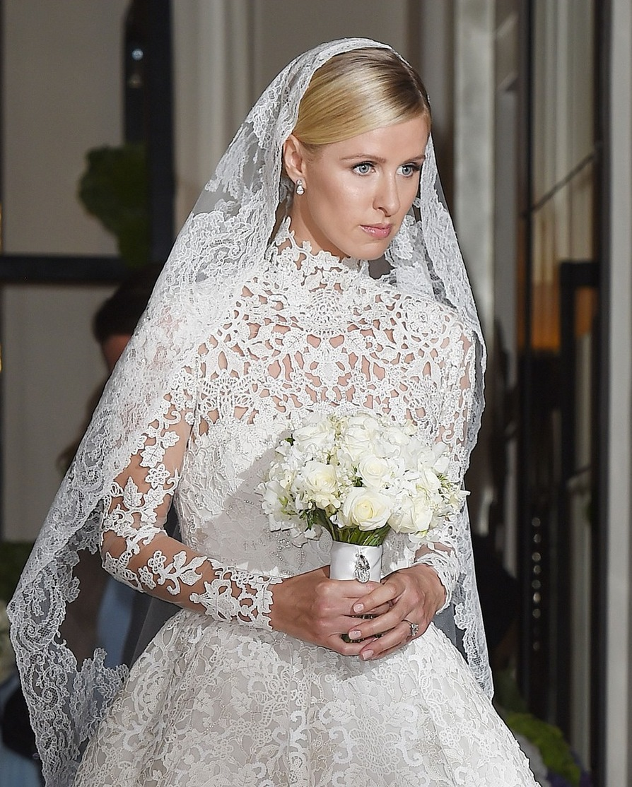 nicky-hilton-steps-out-in-wedding-dress-02