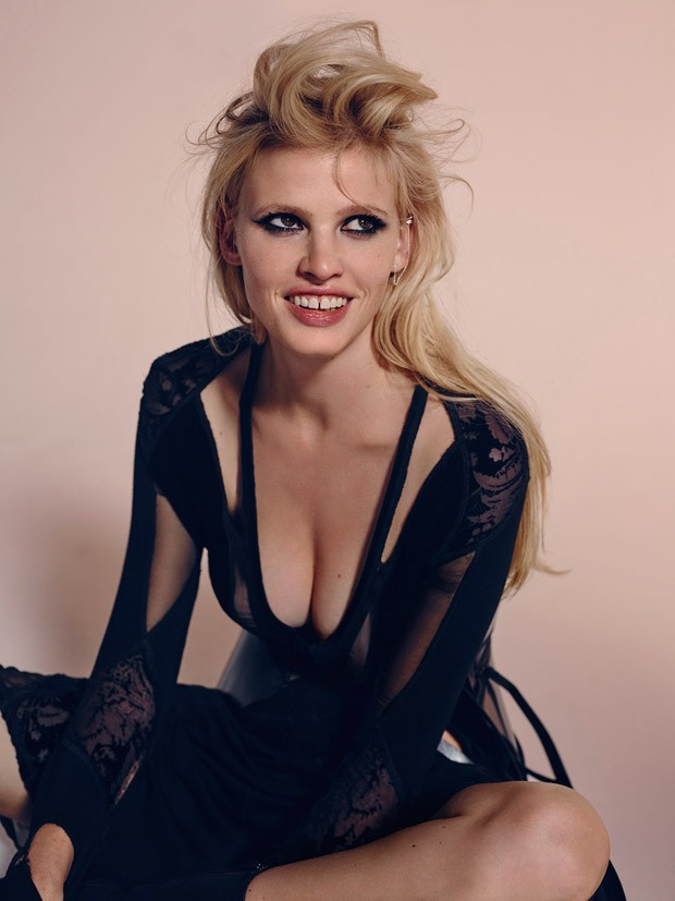 Lara-Stone-LExpress-Style-Richard-Bush-09-620x827