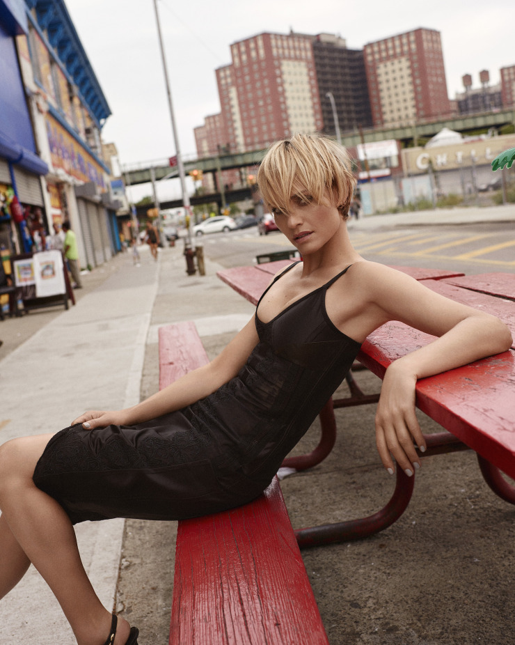 amber-valletta-by-scott-trindle-for-vogue-korea-september-2015-5