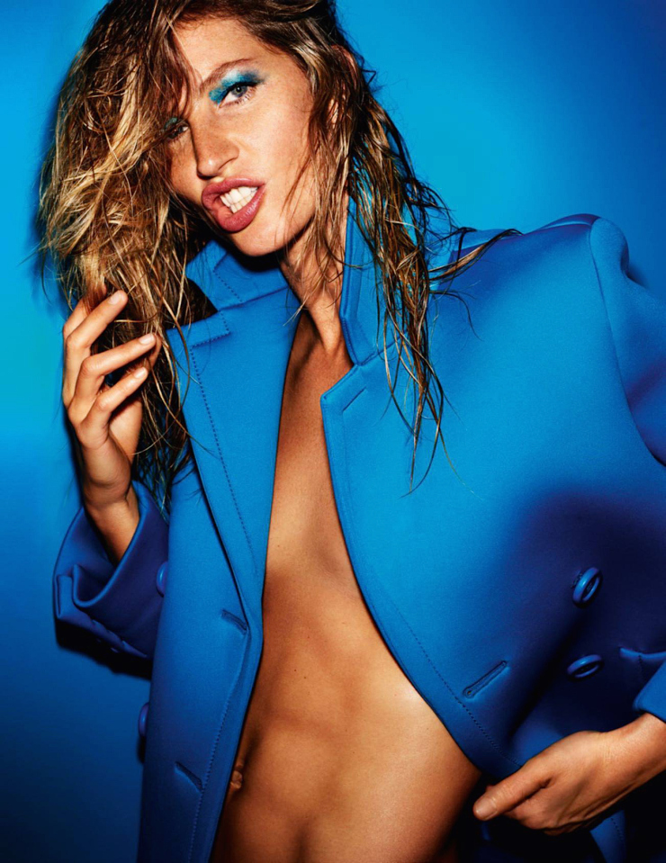 gisele-bc3bcndchen-by-mario-testino-for-vogue-paris-october-2015-3