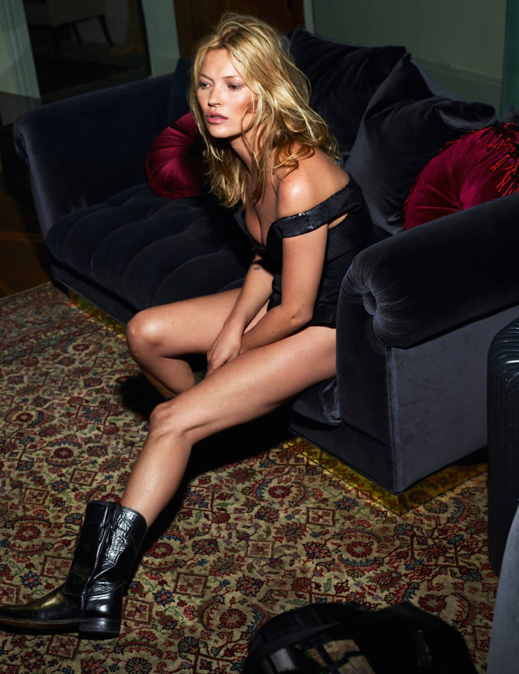 kate-moss-by-mert-alas-marcus-piggott-for-vogue-paris-october-2015-2