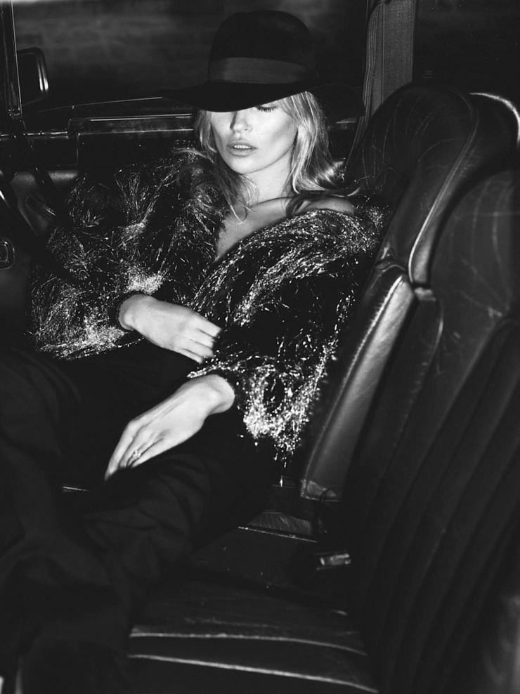 kate-moss-by-mert-alas-marcus-piggott-for-vogue-paris-october-2015-4