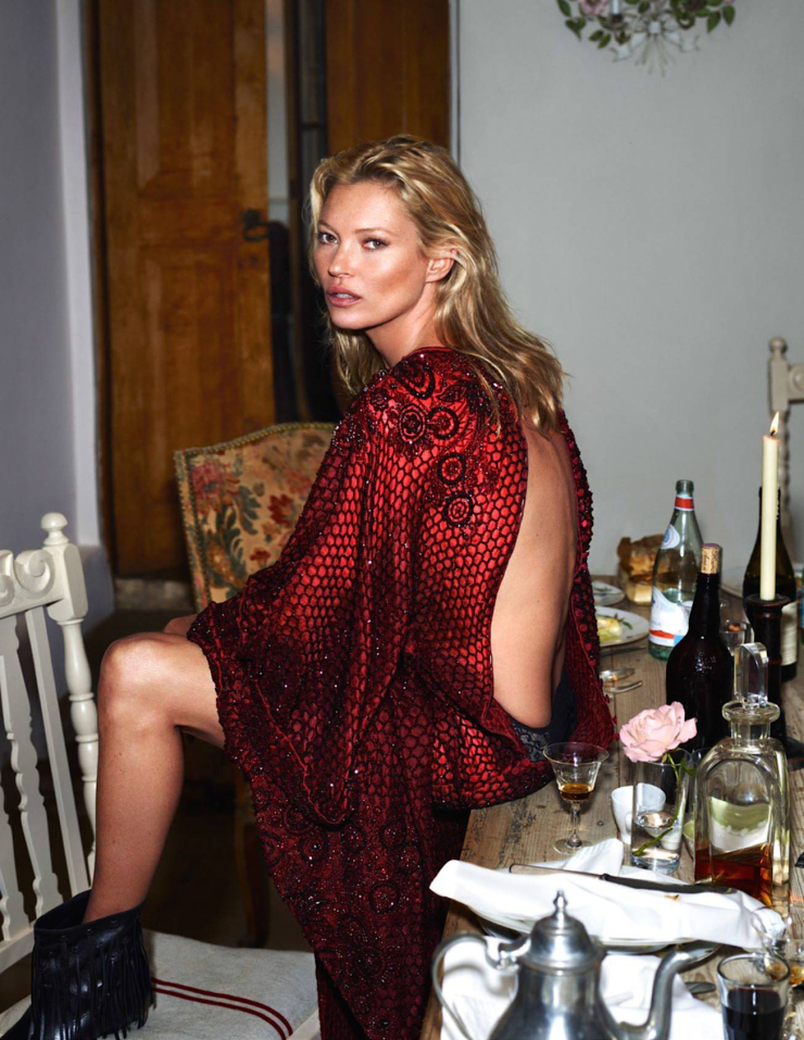 kate-moss-by-mert-alas-marcus-piggott-for-vogue-paris-october-20151