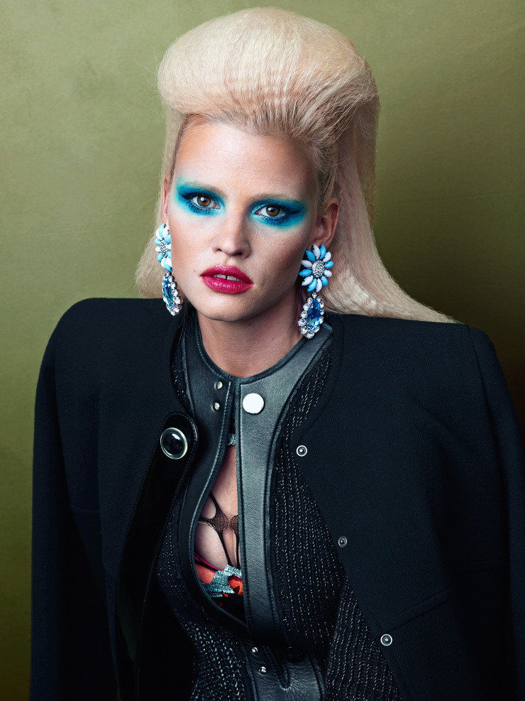 lara-stone-by-bjorn-iooss-for-cr-fashion-book-fall-winter-2015-2