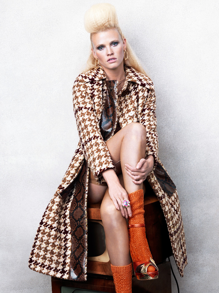 lara-stone-by-bjorn-iooss-for-cr-fashion-book-fall-winter-2015-4