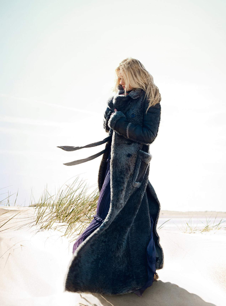 lily-donaldson-by-david-slijper-for-harper_s-bazaar-uk-october-2015-9