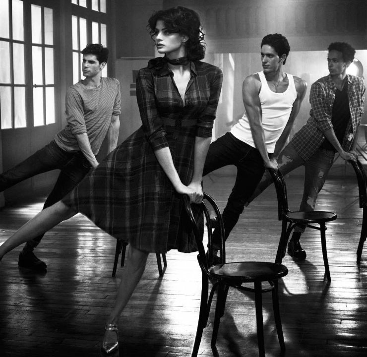 isabeli-fontana-by-vincent-peters-for-vogue-italia-october-2015