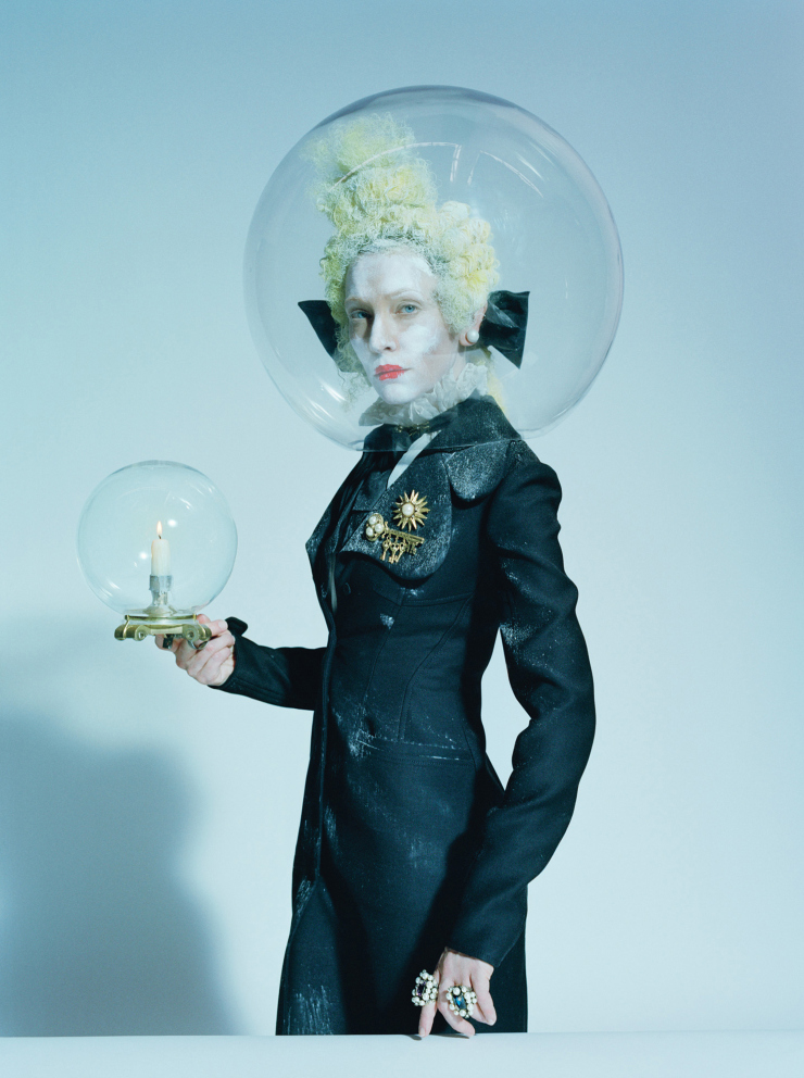 cate-blanchett-by-tim-walker-foe-w-magazine-december-2015-4