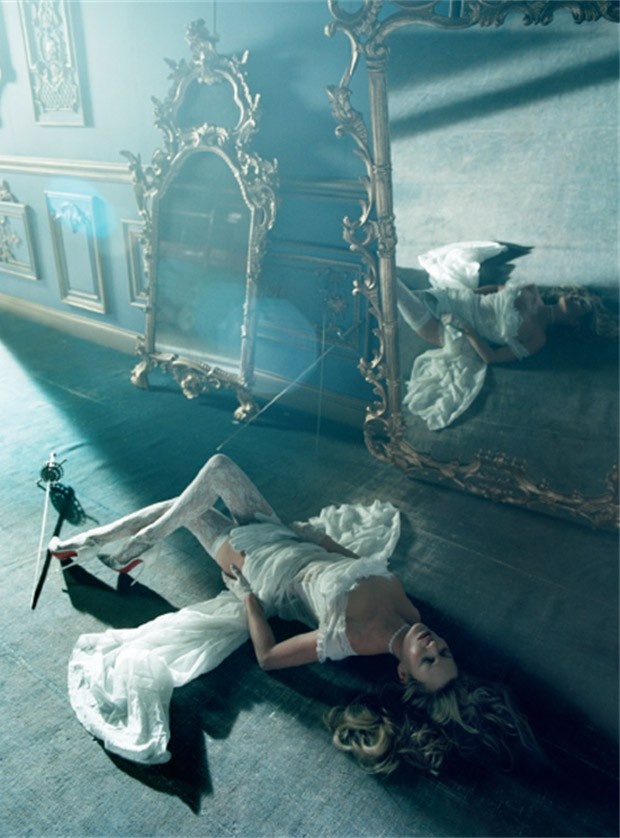 Kate-Moss-Vogue-Italia-Tim-Walker-04-620x838