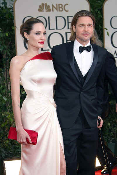 angelina-jolie-brad-pitt-golden-globes-red-carpet-2012-photos