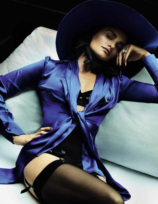 penelope-cruz-vogue-spain-mario-testino-04-620x803