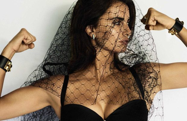 penelope-cruz-vogue-spain-mario-testino-11-620x402