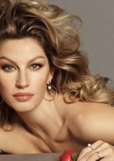 GISELE BUNDCHEN LOOKING DIVINE FOR VIVARA JEWELRY CAMPAIGN BY Luigi & Iango
